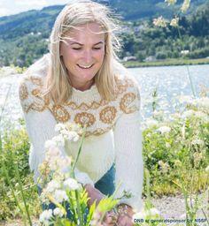 Denne serien er et samarbeid med skiskytter Marte Olsbu Røiseland. Rundfelt genser som strikkes i børstet babyalpakka. Etisk handel og bærekraftig produksjon. Lace Wedding, Wedding Dresses, Knitting, Fashion, Threading, Summer Recipes, Pictures, Bride Dresses, Moda