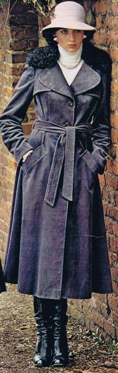 70s Maxi manteau, bottes, chapeau et col roulé...