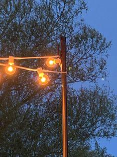 DIY Patio Arbor Using String Lights – The Honeycomb Home - String Lights Outdoor Backyard String Lights, Bucket Light, Light Brick, Outdoor Living Furniture, Landscape Lighting Design, Patio Lighting, Diy Patio, Globe Lights, Honeycomb