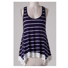 ❌SUMMER CLEAROUT❌Blue and White Striped Top Adorable top with a bow detail. (174230105-643) Tops
