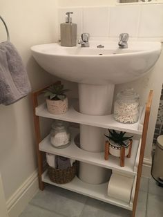 Small Bathroom Storage, Bathroom Design Small, Bathroom Organisation, Simple Bathroom, Bathroom Interior Design, Home Organization, Organizing Ideas, Furniture For Small Spaces, Home Furniture