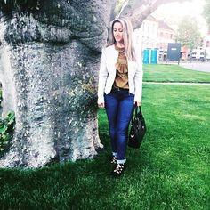 "85 mentions J'aime, 1 commentaires - 🎀Blogueira🎀 (@lena__gomes) sur Instagram: ""#cutefeet #lookdodia #lookdujour #lookoftheday #look#fashion #fashiongirl #fashionstyle #blogger…"" Leather Pants, Girl Fashion, Cute, Instagram Posts, Look Do Dia, Feminine Fashion, Lederhosen, Kawaii, Leather Leggings"