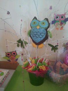 Girl baby shower. Owl centerpiece