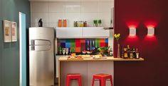 Você verá que aqui não há móveis planejados, que costumam ser os itens mais caros do orçamento http://minhacasa.uol.com.br/noticias/minha-casa/armarios-comprados-em-grandes-magazines-garantem-aproveitamento-total-de-area-enxuta.phtml#.Vo0O_vkrLIW