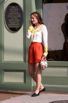 Pin for Later: Leighton Meester's Outfits Have Never Been Better 2008, On the Set of Gossip Girl