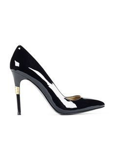 VC SIGNATURE PRIMA - MY FAVORITE STYLE OF SHOE, CAN'T GO WRONG WITH A BLACK PATENT, POINTY TOE STILLETTO.