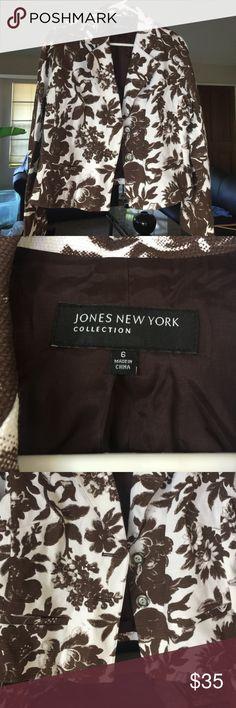 Jones New York floral blazer Excellent condition Jones New York Jackets & Coats Blazers