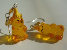 orange aesthetic bear keychain light korean soft minimalistic kawaii cute g e o r g i a n a : a e s t h e t i c s Weird Jewelry, Cute Jewelry, Jewelry Accessories, Jewelry Design, Funky Jewelry, Geek Jewelry, Pink Lila, Funky Earrings, Dangly Earrings