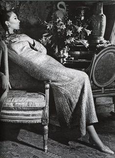 Marisa Berenson in Vogue, 165, by Irving Penn