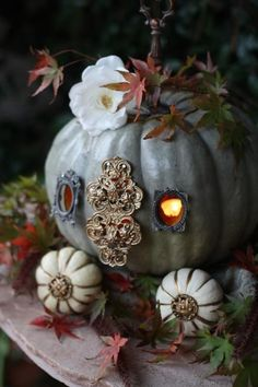 carriage pumpkin décor for autumn or fall, think this wouldn't be hard to DIY