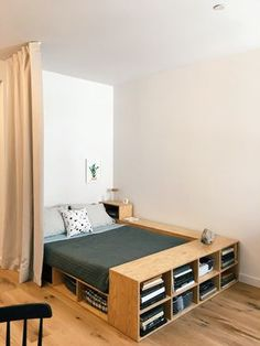 Check out some easy and simple small bedroom ideas for your ultimate reference! Just choose the best bedroom decor that you really love now! Room Interior, Interior Design Living Room, Tiny Bedroom Design, Condo Design, Small Room Design, Flat Design, Design Design, Interior Design Magazine, New Room