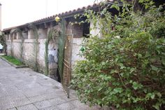 Immobilien im Norden von Sardinien: Tissi, Lavatoio, Waschhaus  Presepe nel Lavatoio, ... Sidewalk, Sardinia, Real Estates, House, Side Walkway, Walkway, Walkways, Pavement