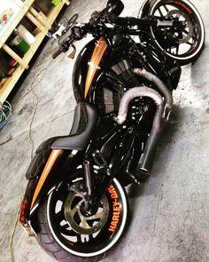 "Harleysite — ""#backtoblack #vrod #nightrod #harley... #harleydavidsonstreetrod"