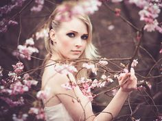 35 Most Beautiful Women Photography Examples and Tips for Taking Great Photos of Women