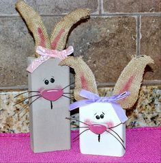 Bunnies, awesome for Easter! 2x4 Crafts, Wood Block Crafts, Diy Crafts For Home Decor, Bunny Crafts, Wooden Crafts, Easter Crafts, Crafts To Make, Crafts For Kids, Easter Decor
