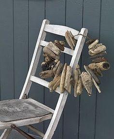 Driftwood wreath - entryway idea