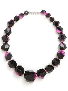 fushia agate necklace from bauble bar. my newest online obsession.