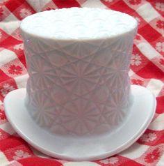 Vintage Fenton Large Top Hat Art Glass White Milk Glass Daisy