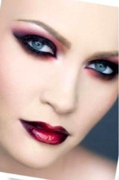 Dramatic makeup| pretty gothic makeup