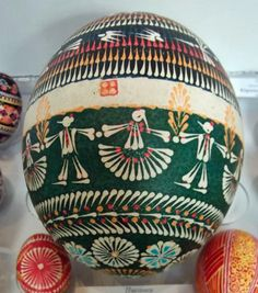 Lemko style patterns on an ostrich egg by extrordinary Ukrainian artist Zenovii Penionzhik