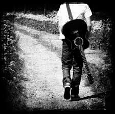 Znalezione obrazy dla zapytania men & guitar