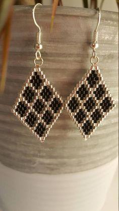 Seed Bead Jewelry, Bead Jewellery, Seed Bead Earrings, Diy Earrings, Earrings Handmade, Handmade Jewelry, Bracelet Crafts, Beaded Bracelets, Black Diamond Earrings