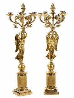 Paar Girandolen im Empire-Stil Höhe: ca. 78 cm. Wien. Bronze, vergoldet. Über gestufter quadratisc