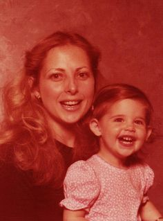 25 Stunning Vintage Photos of Young Celebrities Posing With Their Moms