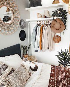 Bohemian bedroom and bedding design - Innenarchitektur Wohnzimmer - Dorm Room Dream Bedroom, Home Bedroom, Bedroom Decor, Bedroom Mirrors, Bedroom Ideas, Master Bedrooms, Bedroom Designs, Modern Bedroom, Ikea Boho Bedroom