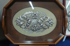 ARTES DECORATIVAS - LIGIA FAGUNDES Metal Embossing, Decoupage, Pewter Metal, Decoration Table, Metal Art, Metal Working, Decorative Plates, Projects To Try, Candles
