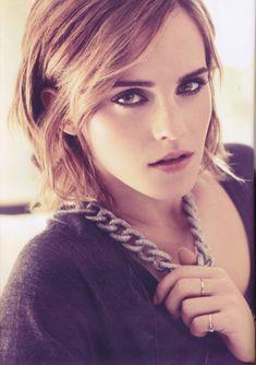 Emma Watson_looks a lot like aa Emma Watson Beautiful, Emma Watson Sexiest, Divas, Harry Potter Film, Hermione Granger, Emma Watson Belle, Emma Watson Hot, My Emma, Actrices Sexy