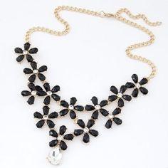 Resin Flower Cluster Design with Transparent Waterdrop Short Costume Necklace - Black