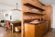 Moderne Küchengestaltung der Wände-Holz-Trennwand-offene Wandregale