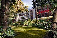 solis colomer's casa chinkara is a harmonious blend of terrain, rock, + man