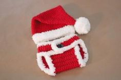 Repeat Crafter Me: Crochet Santa Hat and Diaper Cover by carlani