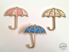Kosbaar brooches - Beach timber with vintage style fabric inlays.   Pink floral umbrella English Garden umbrella Blue floral umbrella
