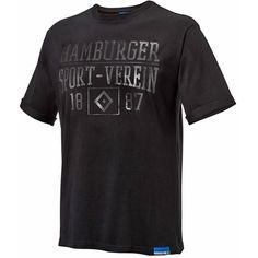 HSV T-Shirt 1887. Artikelnummer 29450. HSV T-Shirt. HSV Shirt. Motiv 1887. Farbe schwarz. Konfektionsgrößen zur Auswahl. Material 100 % Baumwolle. Waschbar bei 30 Grad. Bügelbar. Besser gesagt ein absoluter Hingucker, welcher in der Art und in der Ausführung immer wieder überzeugen beziehungsweise auch begeistern kann.