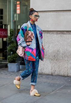 Fall winter inspiration | Streetstyle | London Fashion week | Faux fur loafers | Oversized glasses | Multicolour jacket | More on Fashionchick