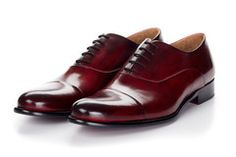 Let our cap-toe oxford faithfully serve as the foundation of your shoe…