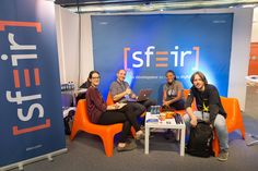 Stand Sfeir à Devoxx France : Fond de stand / roll'ups par 321idCom 2015