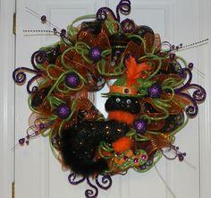 "DIY Mesh Halloween Wreath ""Sassy Cat"""