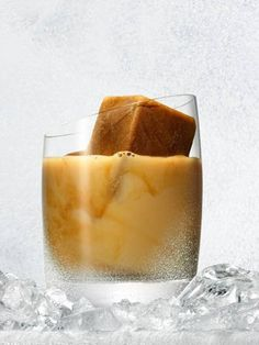 The Big Lebowski Ingredients: 1 oz vodka oz Kahlua coffee liqueur oz cream Preparation: Pour the vodka and Kahlua into an old-fashioned glass filled with ice. Gently top with the cream. Alcoholic Coffee Drinks, Coffee Drink Recipes, Coffee Cocktails, Drinks Alcohol, Kahlua Coffee Liqueur, White Russian Recipes, Coffee With Alcohol, Premium Vodka, Vanilla Vodka
