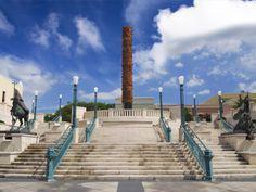 El Totem Telurico en la Plaza Del Totem, Plaza Del Quinto Centenario, San Juan, Puerto Rico,