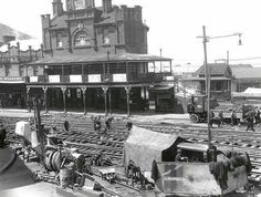 Relaying tram tracks in Newtown,in the inner suburbs of Sydney in 1927. 🌹