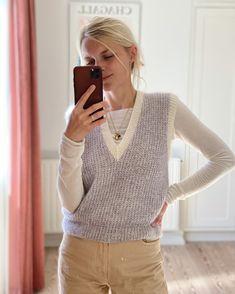 Friday Slipover V-neck – PetiteKnit Vest Outfits, Cool Outfits, Fashion Outfits, Style Fashion, Vest Pattern, Knit Vest, Knit Fashion, Pullover, Mode Inspiration