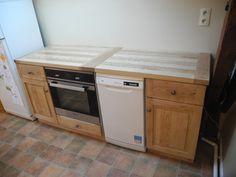 Du bois de frêne pour une cuisine par Peiot - Et non pas une cuisine en frêne.   Le projet consistait essentiellement à faire une place définie pour un four et un lave-vaisselle. Il a donc été décidé d'exploiter deux mètres pour ajouter aux extrémités...