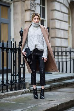 Gros pull + biker pants + manteau camel London Street Style #lfw