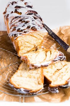 Breakfast is the most important meal of the day. Try this super easy Thermomix cinnamon bread recipe to please your crowd for breakfast time. Thermomix Bread, Thermomix Desserts, Perfect Breakfast, Breakfast Time, Bread Recipes, Cooking Recipes, Gnocchi Recipes, Vegan Recipes, Cinnamon Bread