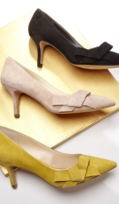 Lush suede mid heel pump with a ladylike bow and pointed toe. So work-ready.