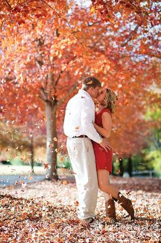 Taking engagement photos this fall? Here are some inspiring shots!
